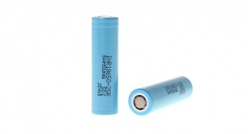 Samsung 25R 18650 2500mAh High Discharge Flat Top Battery 2PCS